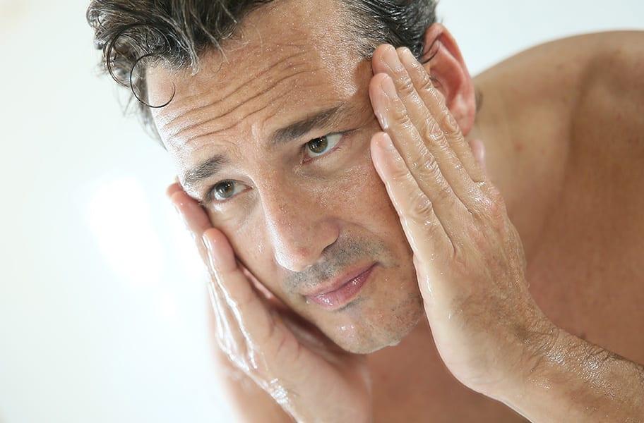 Pele oleosa e  poros dilatados
